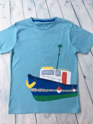 Mini Boden blue tshirt with applique boat age 9-10